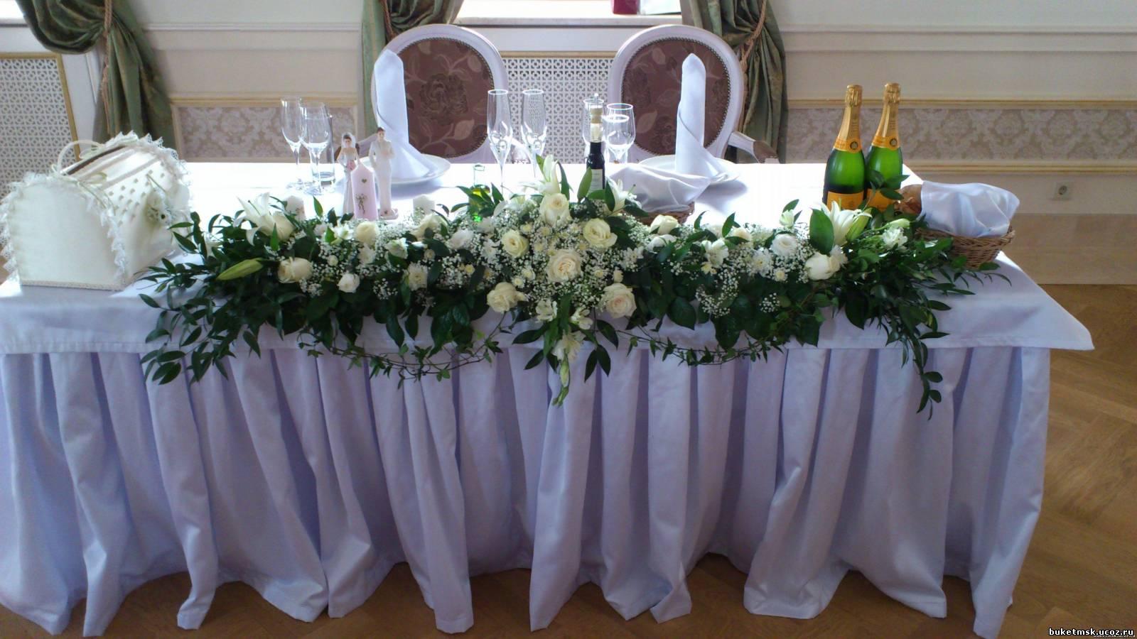 Свадебные украшения цветами на столы фото